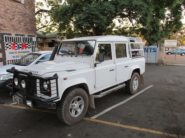 land-rover-defender-lexus-v8-conversion--jhonny